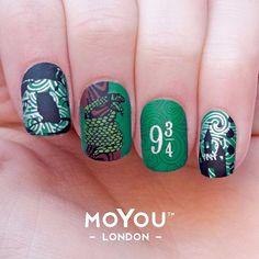 HARRY POTTER: SLYTHERIN Harry Potter Nails Designs, Stamping Nail Art, Alan Rickman, Nail Accessories, Green Nails, Cute Nail Designs, Slytherin, Hogwarts, Real Friends