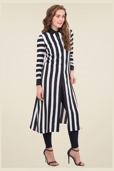 Crepe Party Wear Kurti In Balck And White Colour Stylish Dress Designs, Stylish Dresses, Casual Dresses, Kurta Designs Women, Blouse Designs, Simple Kurti Designs, Kurti Patterns, Kurti Designs Party Wear, Indian Designer Outfits