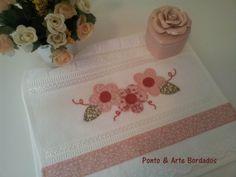 toalhinha-de-lavabo-flores-patch-aplique