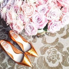 😍 Dior shoes look best next to some magnificent blooms - swoon! 📷: @sofievalkiers  #shoes #heels #dior #roses  #fashion #inspiration #detailsoftheday #style #stylish #photooftheday #beautiful #instafashion #styles #follow #bestoftheday #instadaily...
