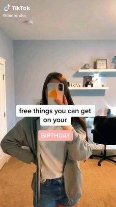Amazing Life Hacks, Simple Life Hacks, Useful Life Hacks, Things To Do When Bored, Cool Things To Buy, Free On Your Birthday, Birthday Freebies, Kleidung Design, Teen Life Hacks