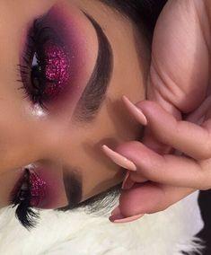 pinterest: @smith_ella Lipstick, Eye Makeup, Eyes, Celebrities, Beauty, Fashion, Makeup Eyes, Guy Celebrities, Beleza
