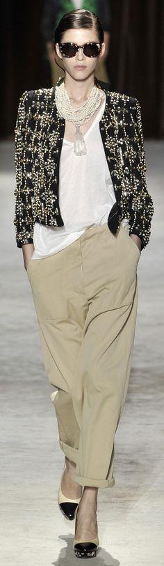 La mia scelta ed i miei gusti nel campo della moda, per classe ed elegante. Ninni -                                    Dries Van Noten ~ Paris