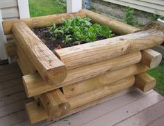 Six Sisters' Stuff: Wooden Box Garden.  We have a large vegetable garden, however this would be great for a smaller shaded garden for flowers or veggies in need of TLC in the shade on the back patio.