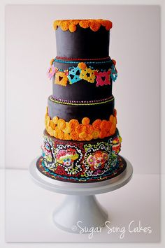 Wedding Cake Ideas - Mexican wedding cake could be very funny and creative. There are four rules for such kind of cake creation. See our gallery and look for the bonus! Gorgeous Cakes, Pretty Cakes, Amazing Cakes, Dead Gorgeous, Fiesta Cake, Party Fiesta, Bolo Halloween, Halloween Cakes, Creative Wedding Cakes