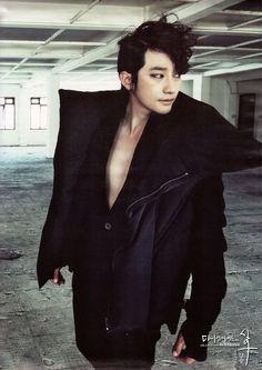 Park Shi-hoo the DARK knight photographed by Kim Yeong Jun Asian Love, Asian Men, Park Si Hoo, Korean Actors, Korean Drama, All Star, Singer, Beautiful, Dark Knight