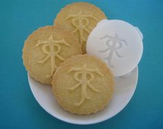 TOLKIEN inspired Logo COOKIE STAMP recipe and instructions - make your own Tolkien inspired cookies