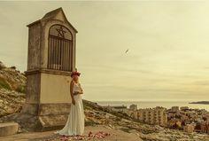 Robe de mariée longue, ensemble deux pièces, modèle Chloé par Manon Gontero, disponible en taille 38 au showroom de Juliette se Marie.. #robe #mariage #conceptstore #Aixenprovence
