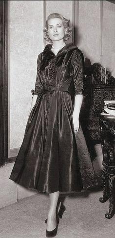 Grace Kelly, c. 1950s www.MadamPaloozaEmporium.com www.facebook.com/MadamPalooza