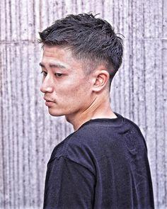 いいね!42件、コメント2件 ― ✂️よーへー✂️(原宿の美容師)さん(@yo__he___man)のInstagramアカウント: 「✂︎ トップに長さを残したフェードスタイル ちょっとナチュラルウェーブがある人は絶対似合うスタイル ✂︎ ✂︎ ✂︎ Cut&Photo ➡︎ @yo__he___man ✂︎ ✂︎…」 Trending Hairstyles For Men, Korean Hairstyles Women, Asian Men Hairstyle, Japanese Hairstyles, Asian Hairstyles, Men Hairstyles, Cool Boys Haircuts, Haircuts For Men, Asian Short Hair