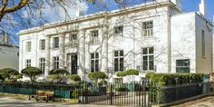 No 131 in Cheltenham, Gloucestershire. The best new hotel to the area, with an amazing downstairs bar, The Crazy Eights, and a selection of outstanding suites. #hotel #travel #englishcountryhouse
