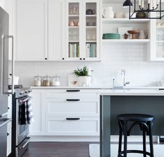 Flat black Top Knobs Serene and Top Knobs Barrington cabinet hardware adds charm to One Room Challenge kitchen. More on the Top Knobs blog!
