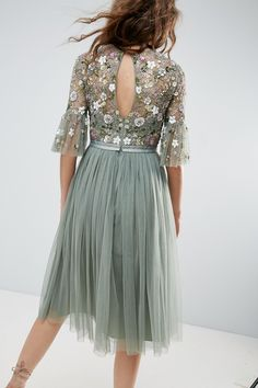 Swans Style is the top online fashion store for women. Shop sexy club dresses, jeans, shoes, bodysuits, skirts and more. Midi Dress With Sleeves, Dress Up, Latest Fashion Clothes, Fashion Dresses, Fashion Online, Fashion 2017, Bridesmaid Dresses, Prom Dresses, Formal Dresses