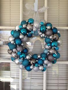 Color Turquesa, Color Azul, Hanukkah, Wreaths, Christmas Ideas, Home Decor, Christmas Decor, Blue Nails, House Decorations