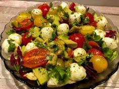 Sałatka z mozzarellą, awokado i pomidorkami - Blog z apetytem Mozzarella, Potato Salad, Grilling, Salads, Appetizers, Lunch, Cooking, Ethnic Recipes, Blog