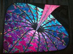 Black Hole Quilt - this is amazing. I'd love to see other mathematical quilts!: