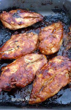 Peito de frango assado com shoyo e mel