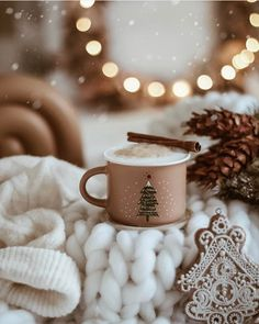 Christmas Hot Chocolate, Christmas Coffee, Christmas Mood, Merry Christmas, Xmas, Autumn Witch, Cute Christmas Wallpaper, Winter Magic, Christmas Wonderland