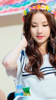 EunHa Gfriend - 9GAG Kpop Girl Groups, Kpop Girls, Gfriend Album, Get Skinny Legs, Kpop Hair, Jung Eun Bi, Gfriend Sowon, Cloud Dancer, G Friend