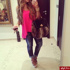 Love this outfit with nail polish to match shirt!!!