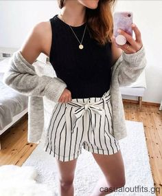 30 Best Casual shorts outfit For Spring, Summer Outfits, 30 Best Casual shorts outfit For Spring Source by enbafbouf. Mode Outfits, Short Outfits, Trendy Outfits, Girl Outfits, Fashion Outfits, White Outfits, Shorts Outfits For Teens, Fashionable Outfits, Womens Fashion