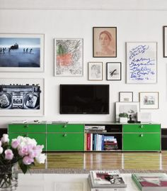TV camuflada con cuadros 2
