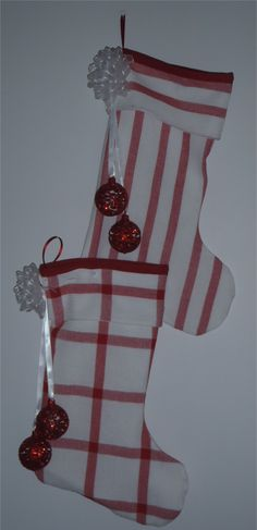 201650- Christmas stocking - red/white fabric, white bow white ribbon, red balls