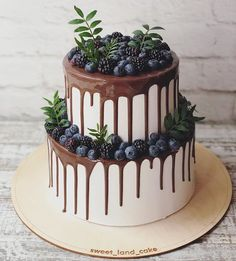 Best Picture For wedding cakes simple recipes For Your Taste You are looking for something, and it is going to tell you exactly what you are looking for, and you didn't find that picture. Beautiful Cakes, Amazing Cakes, Cake Cookies, Cupcake Cakes, Bolo Cake, Birthday Cakes For Women, Floral Cake, Drip Cakes, Fancy Cakes