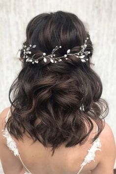 Stunning Wedding Hairstyles Every Hair Length ★ wedding hairstyles every hair length half up half down swept with curls julia_alesionok frisuren haare hair hair long hair short Wedding Curls, Wedding Hair Half, Wedding Hairstyles Half Up Half Down, Simple Wedding Hairstyles, Wedding Hair And Makeup, Down Hairstyles, Wedding Bride, Medium Length Wedding Hairstyles, Hair For Bride