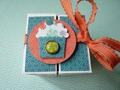 Tutoriel Boîte cube - Stamp'Inspiration Cubes, Scrapbooking, Stampin Up, Christmas Ornaments, Holiday Decor, Cupcake, Inspiration, Home Decor, Boyfriend