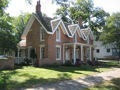 314 E. Madison St (oldest brick house in Liv Co.) built 1857-58 - Pontiac, IL