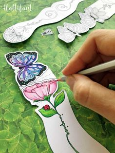 Creative Bookmarks, How To Make Bookmarks, Mandala Flower, Mandala Art, Origami, Mothers Day Crafts For Kids, School Gifts, To Color, Photo Craft
