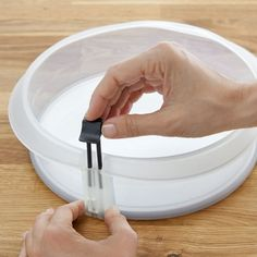 Silicone springform pans with a ceramic bottom - I want these!