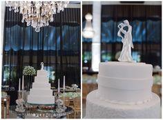 Casamento clássico: bolo branco e topo do bolo