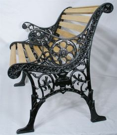 VINTAGE-LION-HEAD-SPIN-WHEEL-CAST-IRON-WOOD-SLAT-PATIO-GARDEN-PORCH-CHAIR-BENCH
