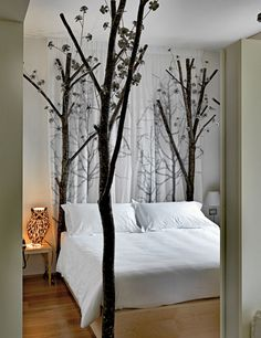 This is really pretty...,great idea on how to decorate my tree on the wall!