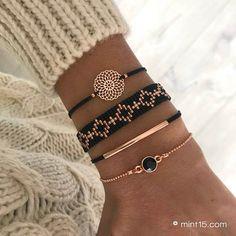 Diy Beaded Bracelets, Bracelet Crafts, Black Bracelets, Seed Bead Bracelets, Bracelet Set, Jewelry Bracelets, Bead Jewellery, Beaded Jewelry, Bead Loom Patterns