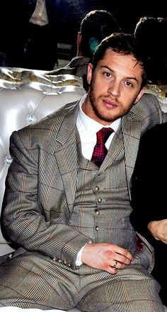 Tom Hardy- Hot beyond comprehension