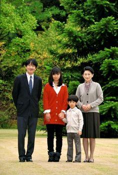 秋篠宮ご一家-Prince Akishino your family