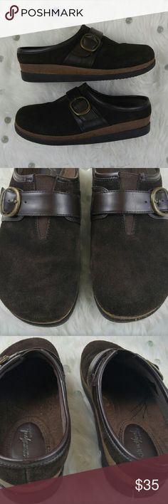 "Naturalizer Delorean Women's Brown Buckle Clogs 8M Naturalizer Natural Soul Delorean Women's Brown Slip On Buckle Clogs 8M. Item is in pre owned condition. Minimal signs of wear. Soles in excellent condition. No rips, stains or bad odor. Item comes from smoke free home.? Measurements:? 10"" long? 3.5"" wide? 1 1/2"" heel? Naturalizer Shoes Mules & Clogs"