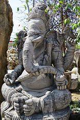 Alter Asia - Esculturas de Buda y otros dioses hindúes