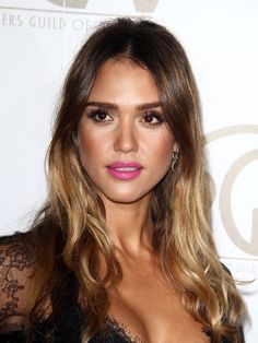 Jessica Alba-GLOWING MAKE UP