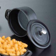 Pre-Seasoned Mini Cast Iron Pot with Cover Cast Iron Pot, Cast Iron Cooking, Rustic Buffet, American Metalcraft, Pot Lids, Latin Food, Wire Crafts, Food Service, Food Presentation