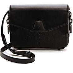 Alexander Wang Stingray Trifold Shoulder Bag (2.015 BRL) ❤ liked on Polyvore featuring bags, handbags, shoulder bags, purses, bolsas, accessories, black, genuine leather handbags, purse shoulder bag and man shoulder bag