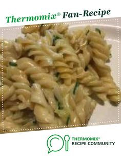 Thermomix Recipe Alfredo pasta by Cattywompuss - Recipe of category Pasta & rice dishes Rice Dishes, Pasta Dishes, Food Dishes, Baby Food Recipes, Paleo Recipes, Savoury Recipes, Caramelized Onions Recipe, Healthy Mummy, Zucchini