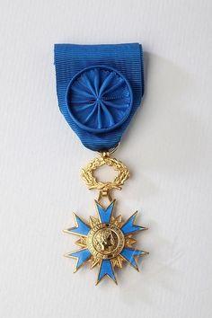 ORDRES NATIONAUX - Mouret Médailles officielles (vente de médaille et decoration)