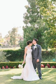 elegant bride and groom style captured by Aga Jones Photography http://www.weddingchicks.com/2014/02/28/golf-club-wedding-aga-jones-photography/