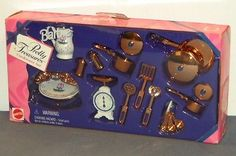 1997-Barbie-Pretty-Treasures-Cookware-Set-NRFB-Accessories-17256