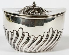 VICTORIAN STERLING TEA CADDY BIRMINGHAM 1898-99 : Lot 61023