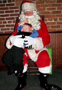 #ScarySanta      Santa holds on too tight!